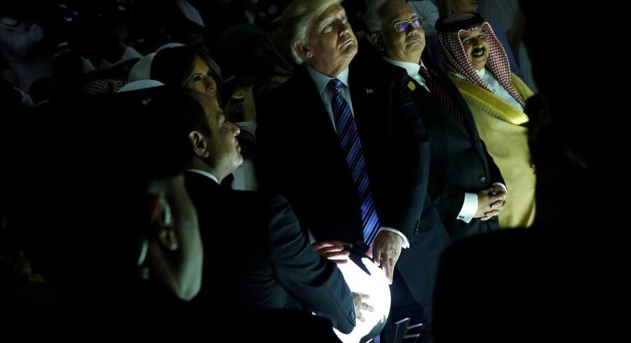 Donald Trump indvier centret for Bekæmpelse af Ekstremistisk ideologi i Riyadh.