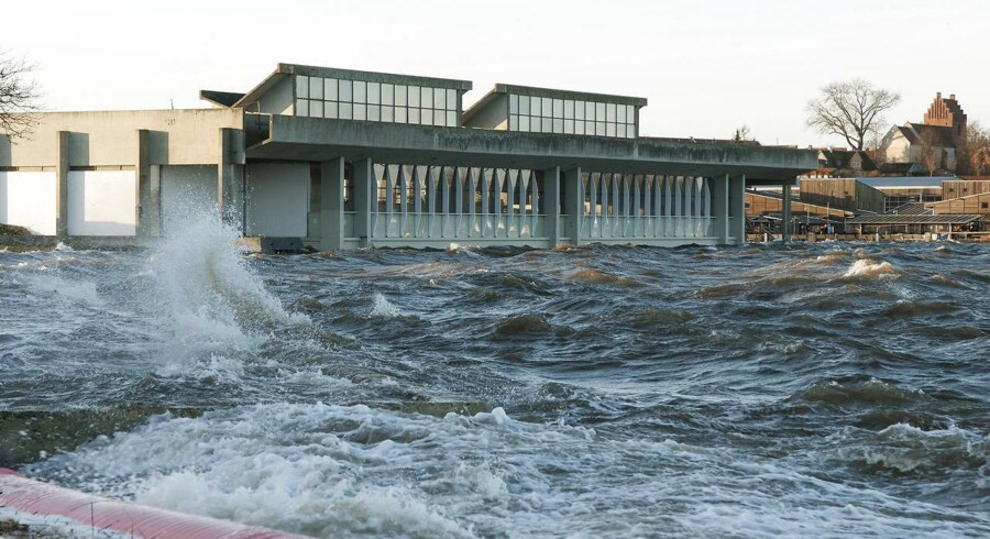 Roskilde kommune kunne godt bruge knap 50 mio. kroner, man har måttet betale tilbage til Arbejdsmarkedets Feriefond, til stormsikring af Vikingeskibshallen med de uvurderlige historiske skibe.