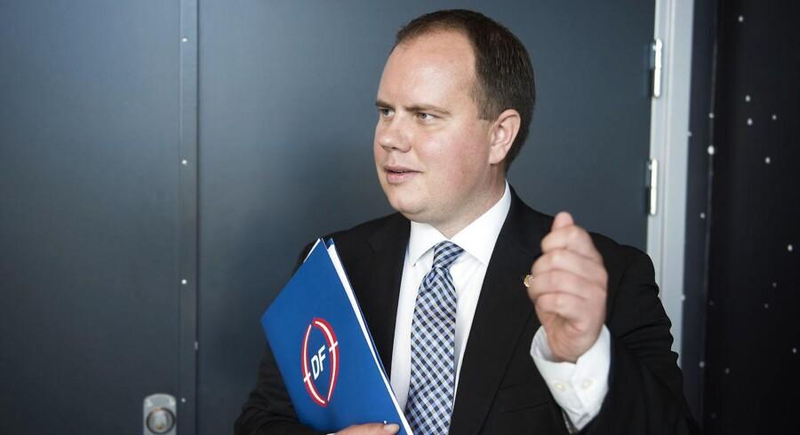 Dansk Folkeparti har svært ved at se det fornuftige i en række af Vensre-næstformand Kristian Jensens udmeldinger i et interview med Berlingske.