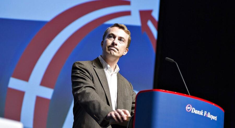 Medlem af Europa-Parlamentet Morten Messerschmidt på talerstolen ved Dansk Folkepartis landsmøde . Foto: Henning Bagger