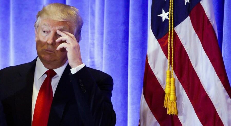 At tweete er blevet noget nær en fuldtidsbeskæftigelse for Donald Trump, der nu heller aldrig har værret bleg for at tale fra podiet.