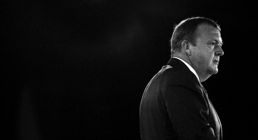 Mens Lars Løkke kæmper for at bevare magten i Danmark, ulmer trakasserierne om hans afløser som formand under overfladen i Venstre.
