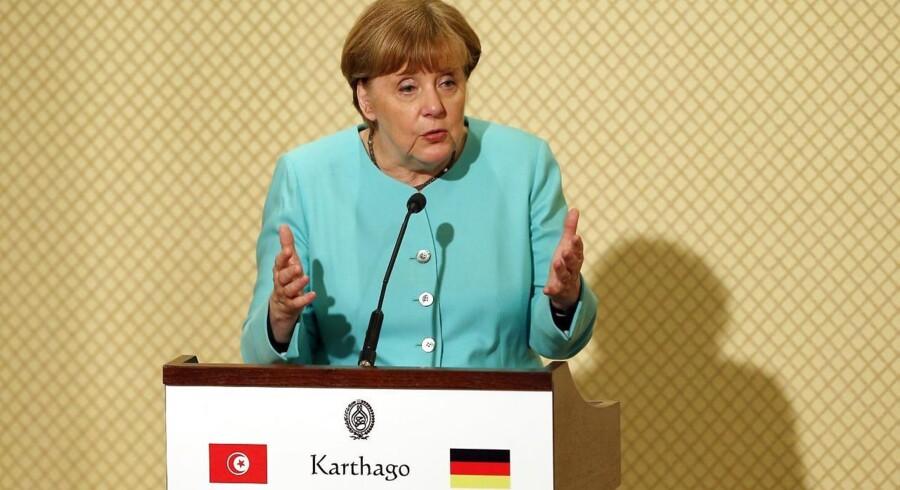 Angela Merkel står over for et valg i september. Her er hun blandt andet presset til at gøre noget ved antallet af asylansøgere, som kommer til Tyskland.