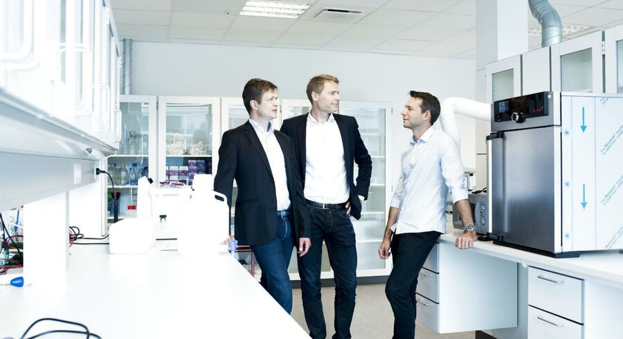Anders Vadsholt (th) Chief Financial Officer Thomas Kirkegaard Jensen (tv), PhD Chief Scientific Officer Anders Hinsby, (i midten) PhD Chief Executive Officer fra Orphazyme.