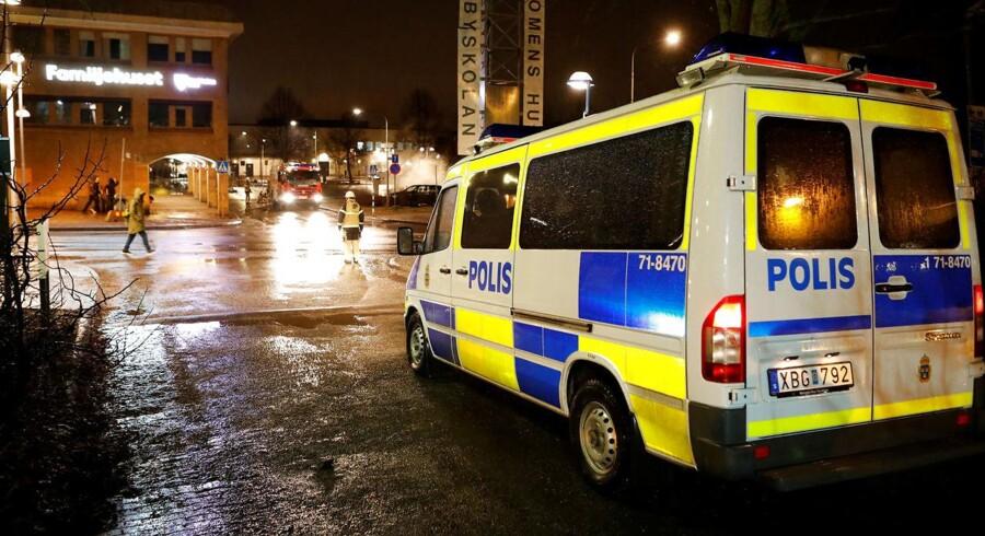 Arkivfoto af en svensk politivogn.