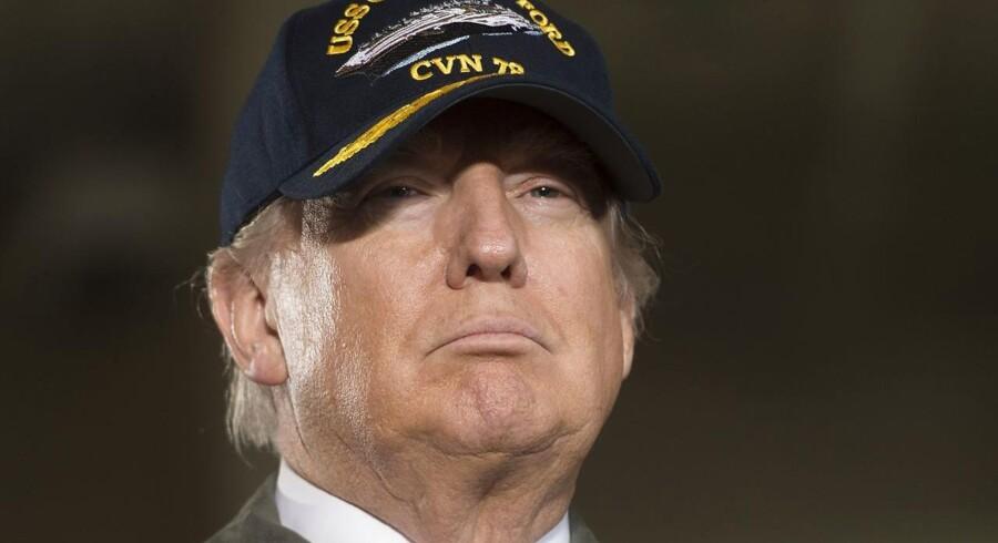Donald Trump udsteder nyt dekret om indrejseforbud. Men selv om det tager hensyn til indvendinger, der blev rejste af appelretten, som suspenderede det første, så kan han på ny blive udfordret i retten. / AFP PHOTO / SAUL LOEB