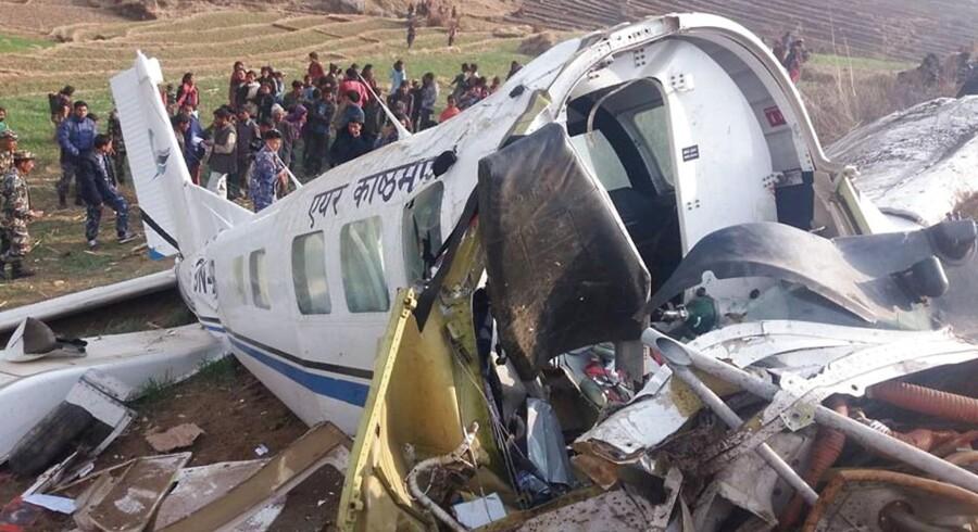 Billede fra flystyrt i Nepal i februar i år. I følge ny sortliste fra EU-Kommissionen over usikre flyselskaber er alle flyselskaber fra Nepal er blacklistede.