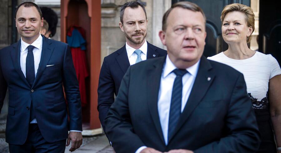Tommy Ahlers, Jakob Ellemann-Jensen, Eva Kjer Hansen og Lars Løkke Rasmussen ved Amalienborg Slotsplads, hvor statsministeren præsenterede sine nye ministre.