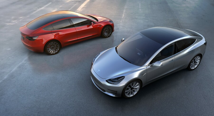 Tesla har hidtil i 2016 ikke leveret så mange biler, som selskabet havde regnet med. Arkivfoto Free/Tesla Motors