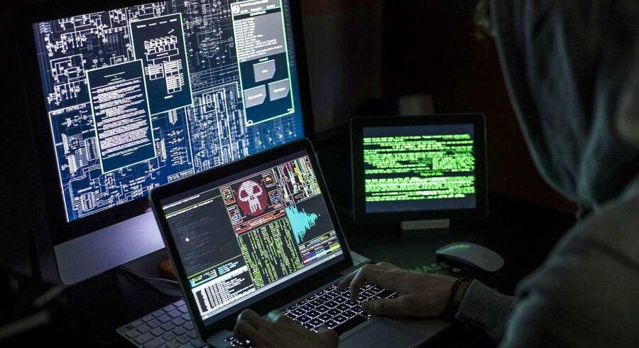 En tjekkisk domstol besluttede sidste forår, at hackeren kunne udleveres til USA, hvor han står anklaget for at hacke sociale netværk, eller til Rusland, hvor han er mistænkt for bedrageri.