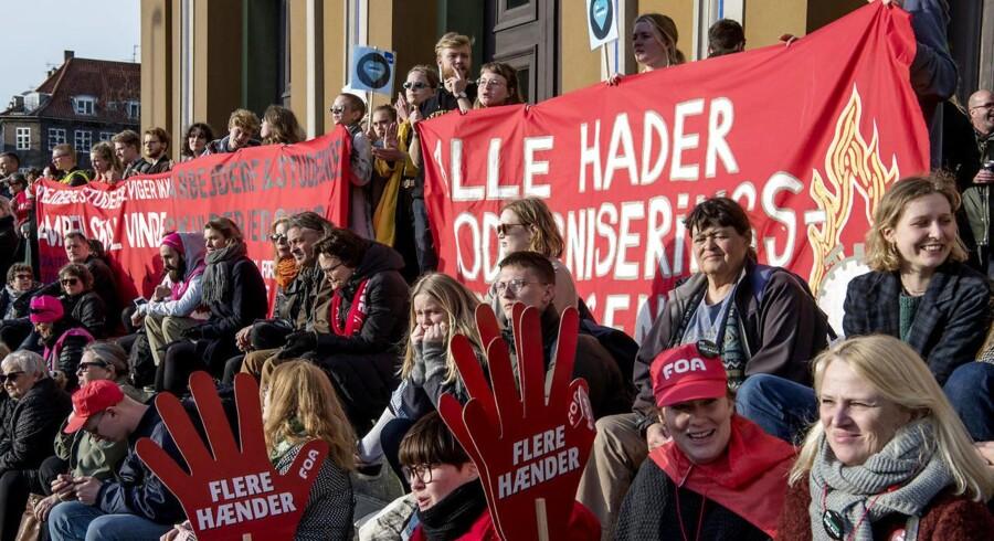 Offentligt ansatte demonstrerer på Bertel Thorvaldsens Plads i København i forbindelse med overenskomstforhandlingerne 2018.
