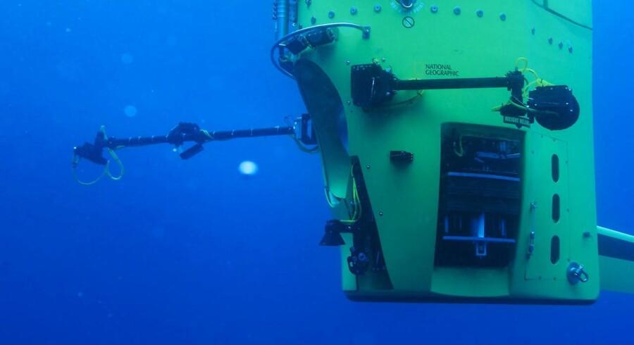 """Kun fire bemandede fartøjer har været i Marianergravens dyb. Senest lykkedes det for filminstruktøren bag Titanic, James Cameron, at gennemføre rejsen på mere end 10.000 meter i 2012 med dybvandsubåden """"Deepsea Challenger"""", som kan ses på billedet."""