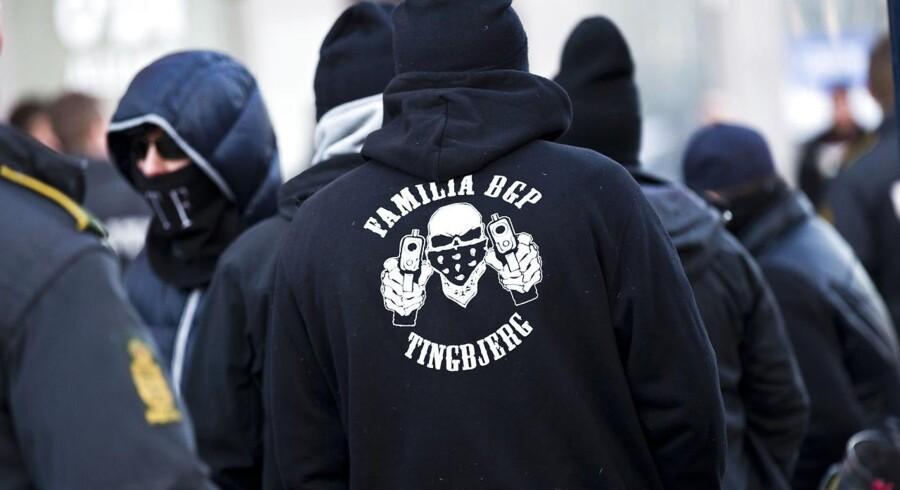 Banden Loyal To Familia deltager ifølge Rigspolitiet i tre bandekonflikter i Danmark netop nu. Står det til borgmester Anna Mee Allerslev, skal arbejdsløse bandemedlemmer aktiveres på fuld tid fremover.