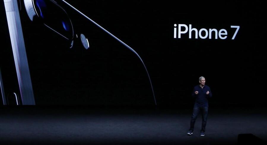 Apples topchef Tim Cook, da han sidste år præsenterede iPhone 7