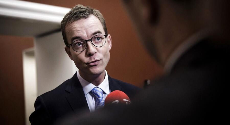 Sagen førte i august sidste år til, at Esben Lunde Larsen (V) mistede ministeransvaret for fiskeriområdet, som i stedet blev overtaget af ministerkollegaen Karen Ellemann (V).
