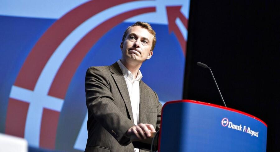 Morten Messerschmidt har ansat Altinget-journalist Erik Bjørn Møller som ny særlig rådgiver og ser ud til at gøre politisk comeback i foråret.