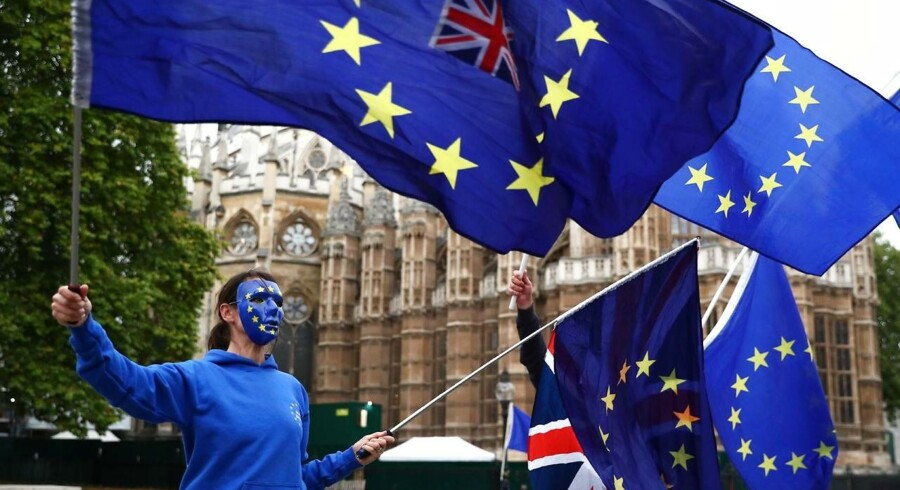 Den britiske ungdom er godt trætte af de ældre generationers beslutning om at forlade EU. Her ses en protest uden for Parlamentet 17. oktober.