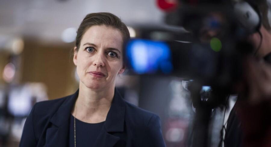 Flere ministerier er ikke gode nok til at sikre tolkebistand, konkluderer ny rapport. Sundhedsminister Ellen Trane Nørby peger på, at forbedringer er på vej. (Foto: Jonas Olufson/Scanpix 2018)