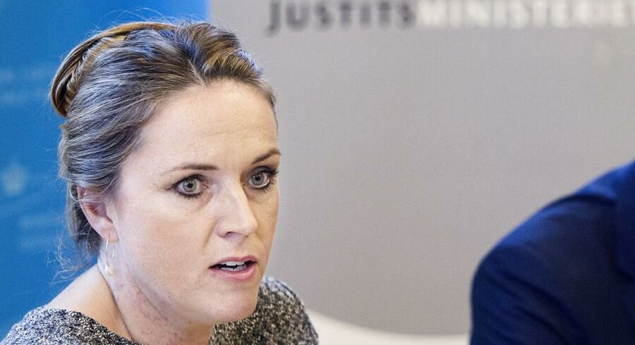 Daværende justitsminister Karen Hækkerup (S) afskaffede i juni sidste år den ubrugelige internetovervågning af danskerne. Nu er der politisk rummel om at få den genindført og sågar udvidet. Arkivfoto: Jonas Skovbjerg Fogh, Scanpix