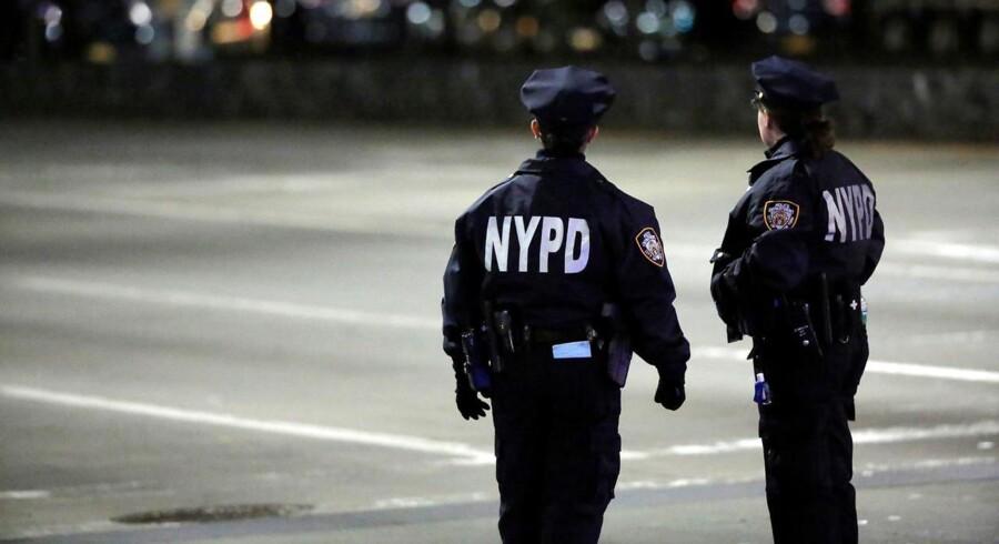 Flere udlændinge er blandt ofrene i et dødeligt angreb i New York. Ingen meldinger om danske tilskadekomne.