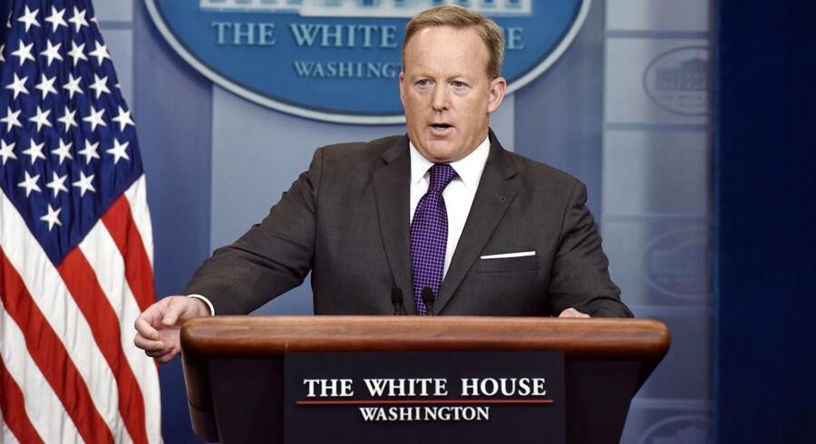 Det Hvide Hus' pressetalsmand siger sit job op.C. / AFP PHOTO / Olivier Douliery