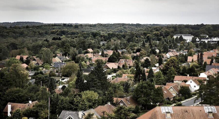 ARKIVFOTO Udsigt fra Grønnevej højhusene i Lyngby Sorgenfri over beboelseskvarter med villaer og parcelhuse (Foto: Thomas Lekfeldt/Scanpix 2014)