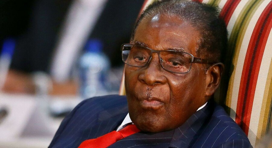 Arkivfoto.Talsmand for det amerikanske udenrigsministerium afviser, at der er plads til Mugabe i nyt styre i Zimbabwe.