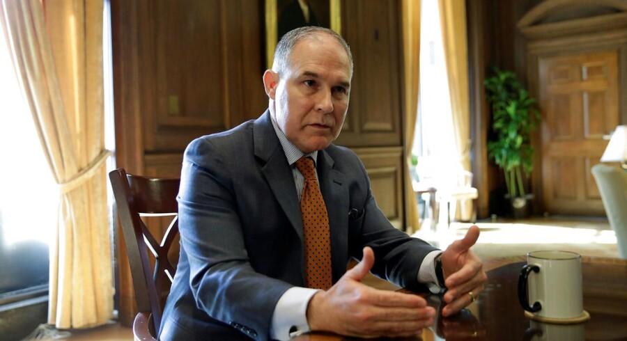 Da Trump i februar udpegede Scott Pruitt til at stå i spidsen for EPA, blev det af mange set som endnu et bevis på, at USA er ved at afgive sin position som bannerfører i kampen mod den globale opvarmning.