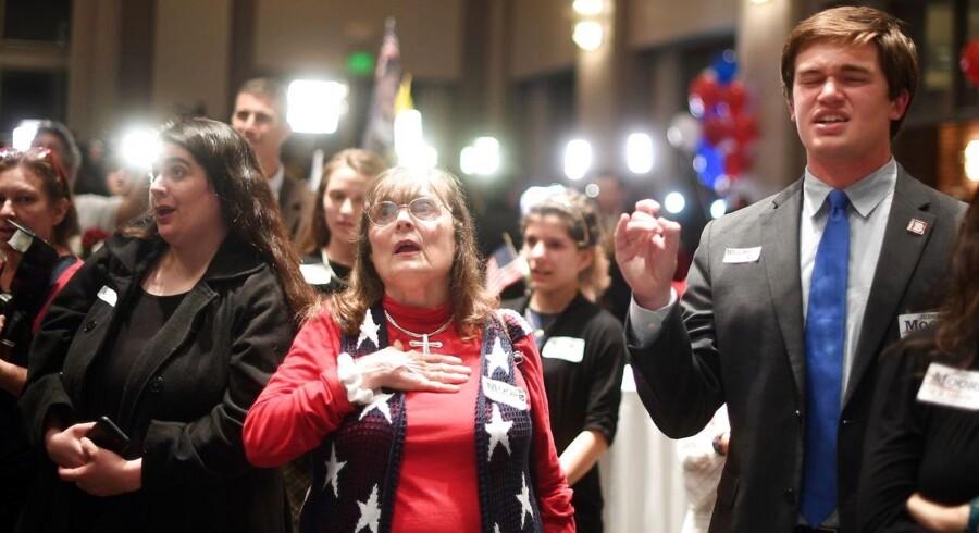 Hvordan kunne den republikanske kandidat, Guds stridsmand på jord, Roy Moore, tabe her i Alabama?