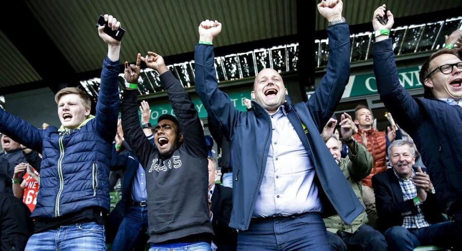 Formand for de Konservative, Søren Pape Poulsen, er tidligere borgmester i Viborg, hvor en sag om et salg af det lokale stadionnavn fortsat bliver undersøgt.