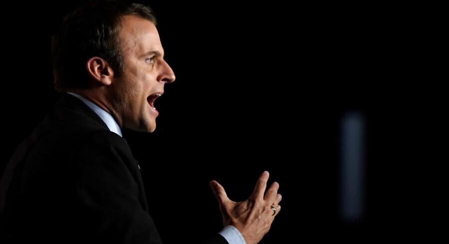Offentliggørelse af hackede e-mails fra Emmanuel Macrons kampagnestab kan være lovstridigt, advarer den franske valgkommission. / AFP PHOTO / Eric FEFERBERG