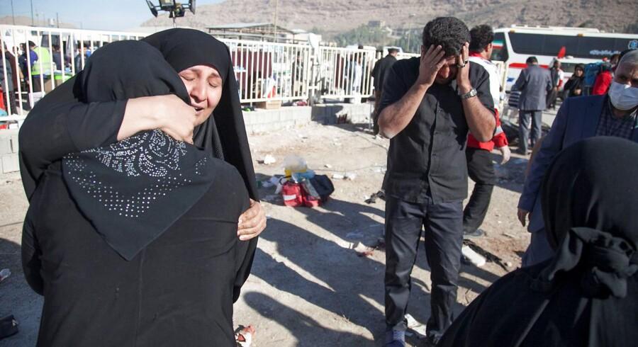 Hårdest ramt efter jordskælv på 7,3 er Iran. Her er 328 døde, og dødstallet ventes at stige.