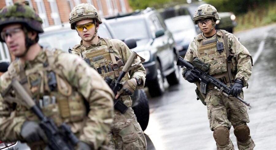 """Arkivfoto. Efter måneders træning skal det første hold danske soldater nu til Estland for at være bolværk mod Rusland. Det er en """"skodmission"""", mener nogle af soldaterne."""