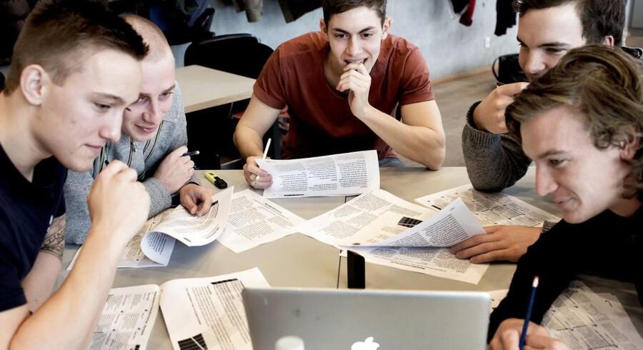 Ny undersøgelse viser, at digitalt unge skal ledes som alle andre.