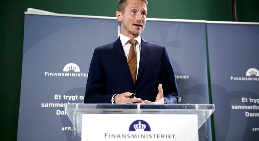 Finansminister Kristian Jensen præsenterer torsdag den 31. august 2017 regeringens forslag til finansloven for 2018 i Rentekammeret i Finansministeriet. (Foto: Mads Claus Rasmussen/Scanpix 2017)