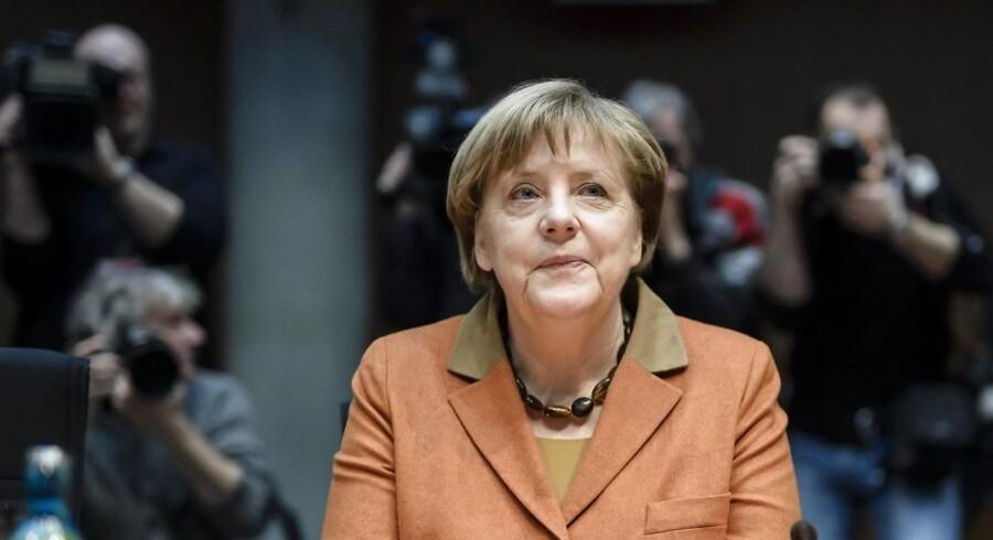 Her skal den tyske kansler vidne i sagen om NSAs aflytning af hendes telefon. Nu vil den tyske regering have ret til at tilgå asylansøgeres private telefoner og computere. EPA/CLEMENS BILAN