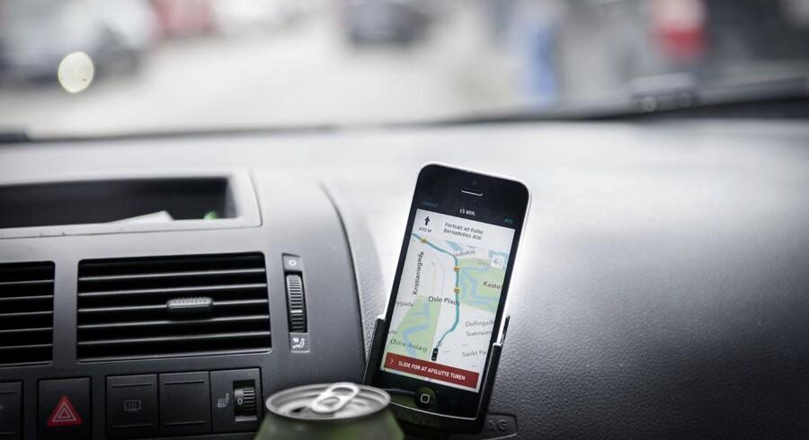 Se Ritzau: Uber lukker i Danmark. Kørselstjenesten Uber lukker i Danmark 18. april. Det fortæller selskabet på et pressemøde i København. ARKIV: Uber -chauffør kører i København.. (Foto: Simon Skipper/Scanpix 2017)