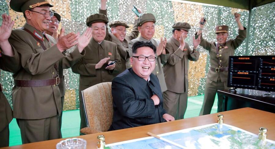 Det er første gang, at USA pålægger den nordkoreanske leder Kim Jong Un sanktioner.