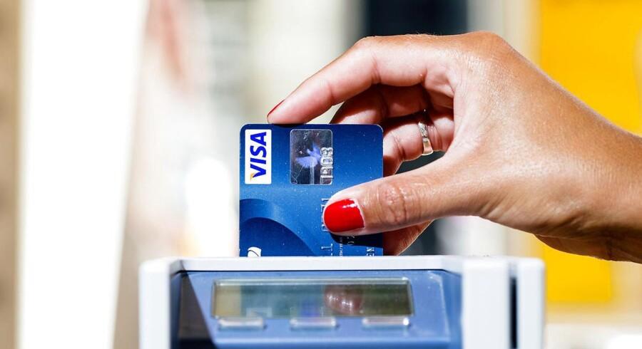 Dankortomsætningen steg med 1,3 pct. i maj, hvilket styrker udviklingen i danskernes privatforbrug.