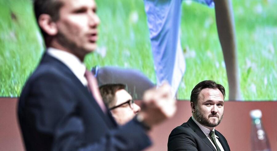 Dan Jørgensen (S) erkender, at netavisen Pio har været med til møder med Socialdemokratiets kommunikationsafdeling. Men hverken partiet eller Pio vil fortælle, hvad der har været diskuteret på møderne. Finansminister Kristian Jensen (V) kalder mediet ren propagandamaskine for S.