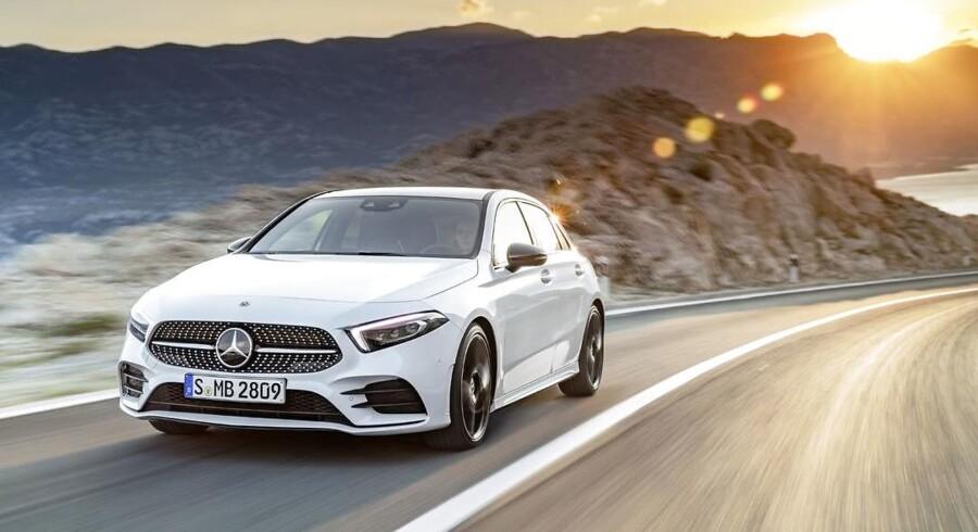 Den fjerde generation af Mercedes-Benz' mindste model bevarer sin grundform, men bliver dog større og byder på bedre pladsforhold end før. Designet på A-Klassen er en moderniseret version af forgængerens, bl.a. med smalle forlygter med LED-teknik