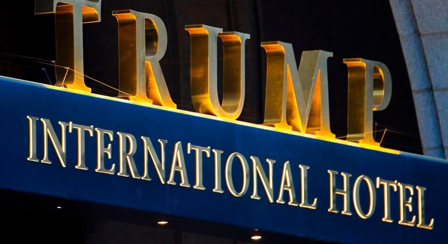 Det er ikke i strid med føderal lovgivning, at den amerikanske præsident, Donald Trump, har fået et hotel opført med sit navn i den amerikanske hovedstad, Washington D.C.