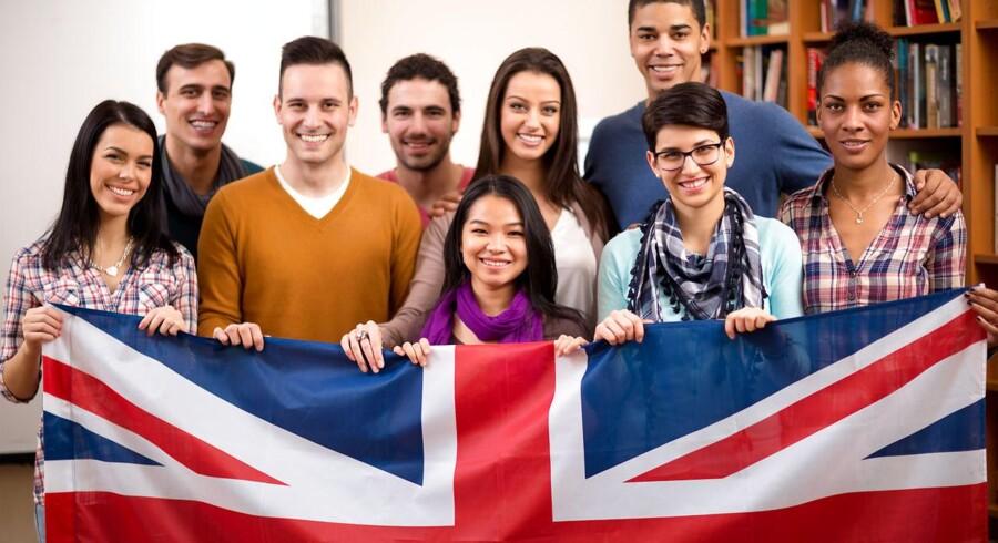 Arbejdsløsheden er på det laveste i 11 år, hedder det i de nye tal fra Storbritanniens nationale statistiske departement.