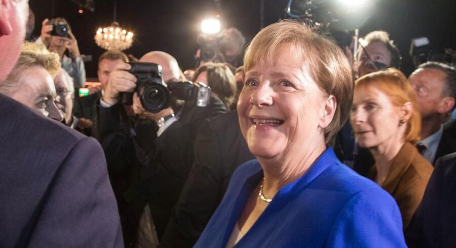 Angela Merkel har grund til at smile efter søndagens TV-duel med udfordreren Martin Schulz. Socialdemokraten formåede ikke at lægge pres på den siddende kansler forud for forbundsdagsvalget 24. september. Foto: Alexander Becher/AFP