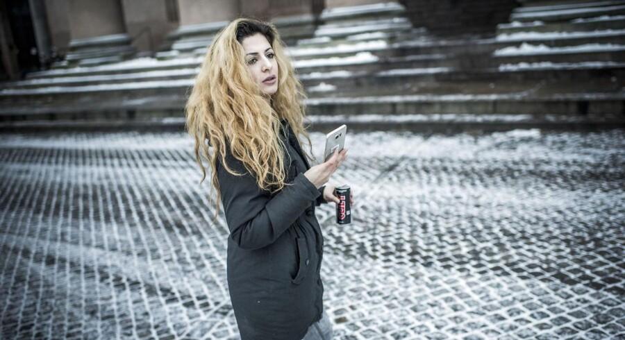 ARKIVFOTO 20160119 af Joanna Palani - - Se RB KRIMINAL 11.48Kvinde i retten for at bryde udrejseforbud: Jeg var på ferieDansk-kurdiske Joana Palani, der kræves idømt fængsel, nægter at have rejst til Syrien og Irak i sommer 2016.