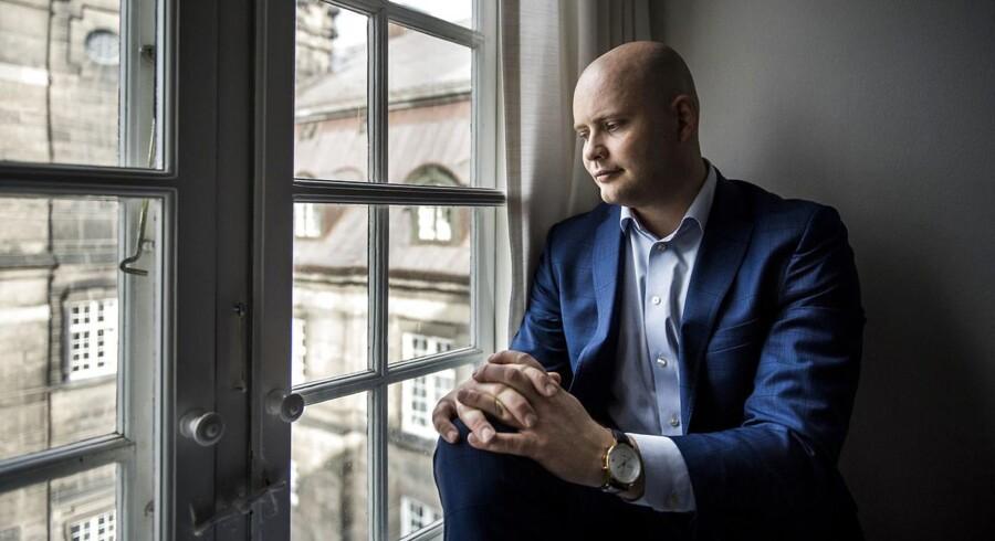 Det er Ekstra Bladet, som har fået aktindsigter, der viser, at Jakob Engel-Schmidt fra Venstre er blevet frakendt kørekortet ubetinget i tre år og skal have en bøde, efter at han blev taget af politiet i København sidste juli. (Foto: Thomas Lekfeldt/Scanpix 2016)