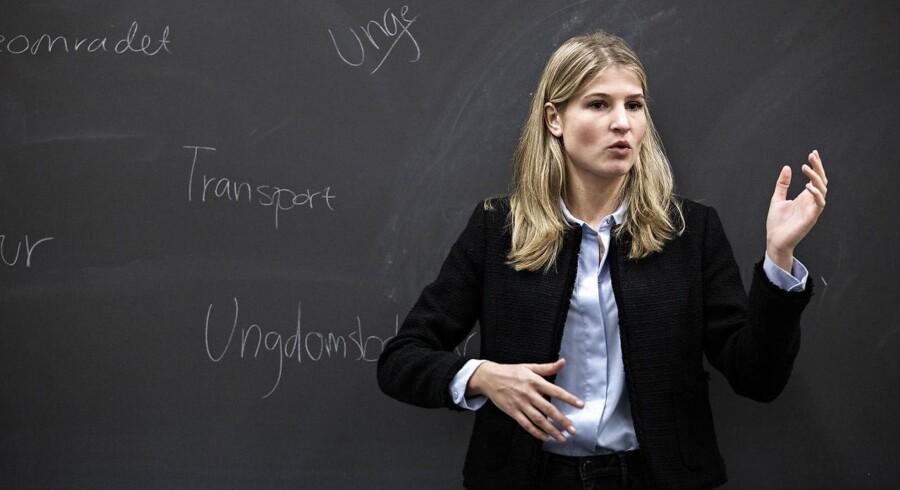 En af de 801 nyvalgte kvinder er Holbæks nye borgmester, 24-årige Christina Krzyrosiak Hansen, som erstatter Søren Kjærsgaard.
