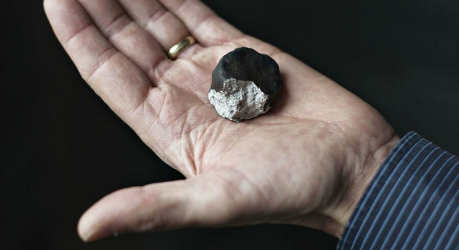 Efter en lille evighed på vej gennem universet ramte en meteorit lørdag nat som bekendt Ejby ved Glostrup på Københavns vestegn.