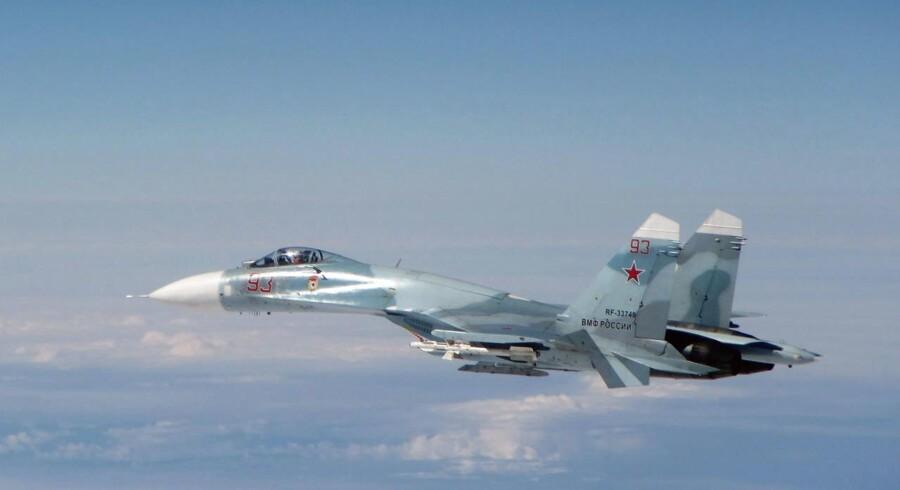 De militære fremskridt mod landsbyen al-Khafsa er sket med støtte fra russiske kampfly, der har kastet bomber i området øst for Aleppo.