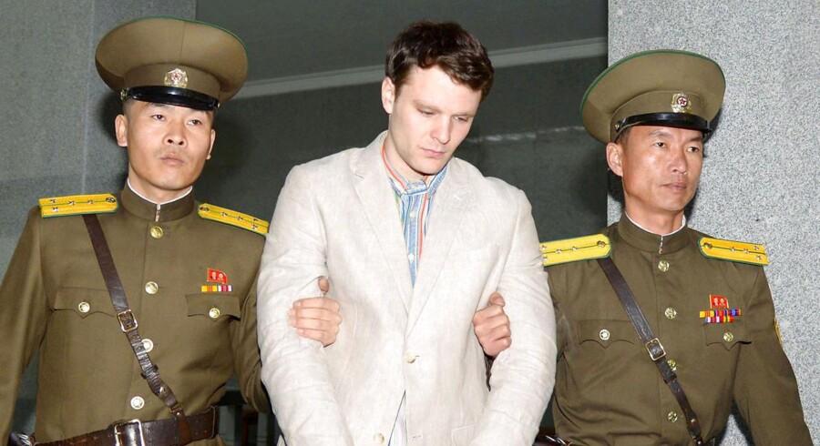 Den amerikanske universitetsstuderende Otto Warmbier, der har siddet fængslet i Nordkorea, er blevet løsladt.